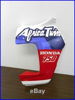 Flanc de carénage droit neuf d'origine de Honda XRV 750 Africa Twin type RD04